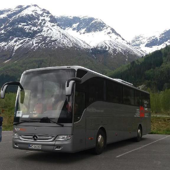 Mercedes-Tourismo-TopTravel